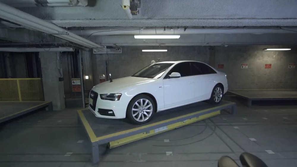 Robotic parking garage
